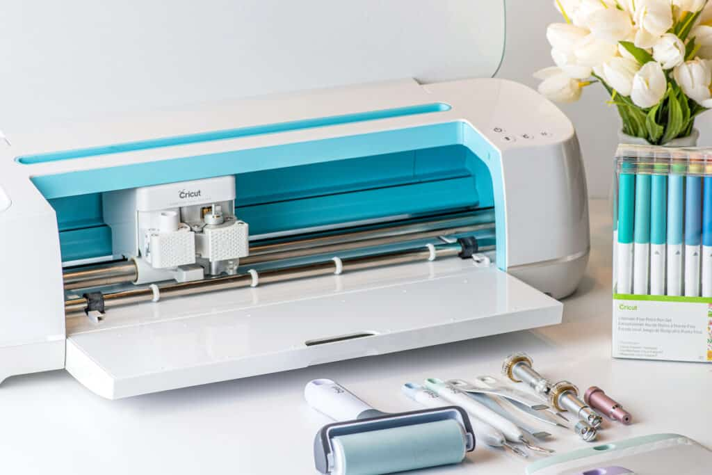 The best Cricut machine for crafters and makers.