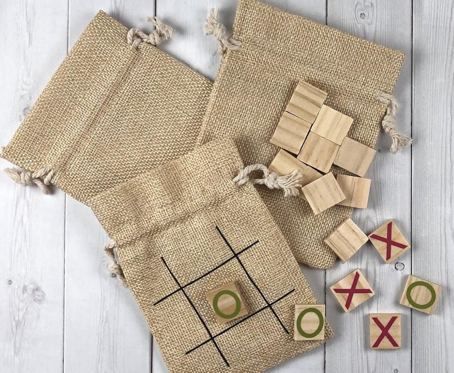 Tic Tac Toe Board for party favors or wedding favors. Kids will love them!