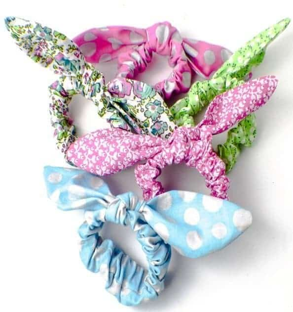 Bow scrunchies for a quick and easy teen craft.