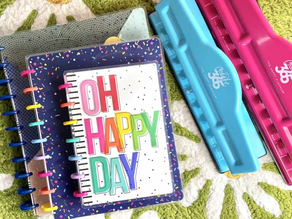 Disc bound planners like Happy Planner for a DIY planner system.