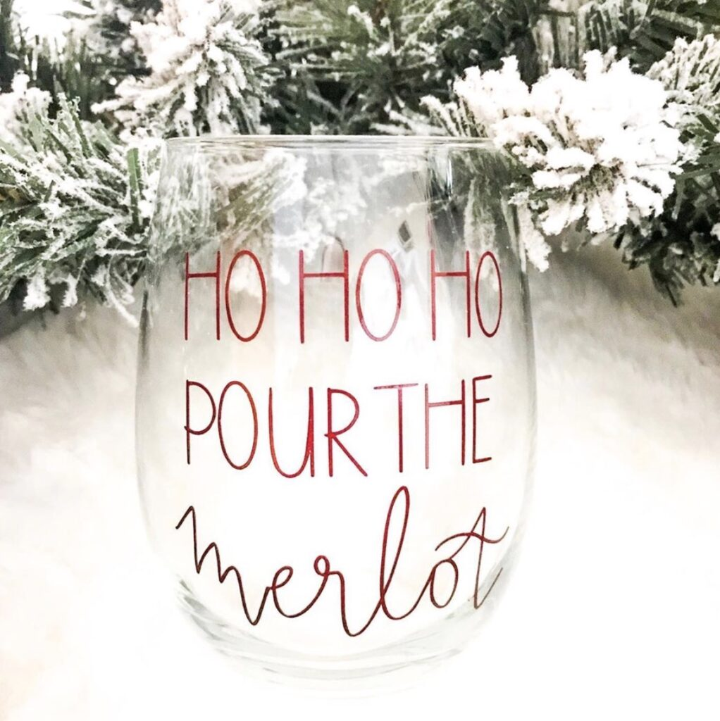 pour-the-merlot-kaylascricutcreations