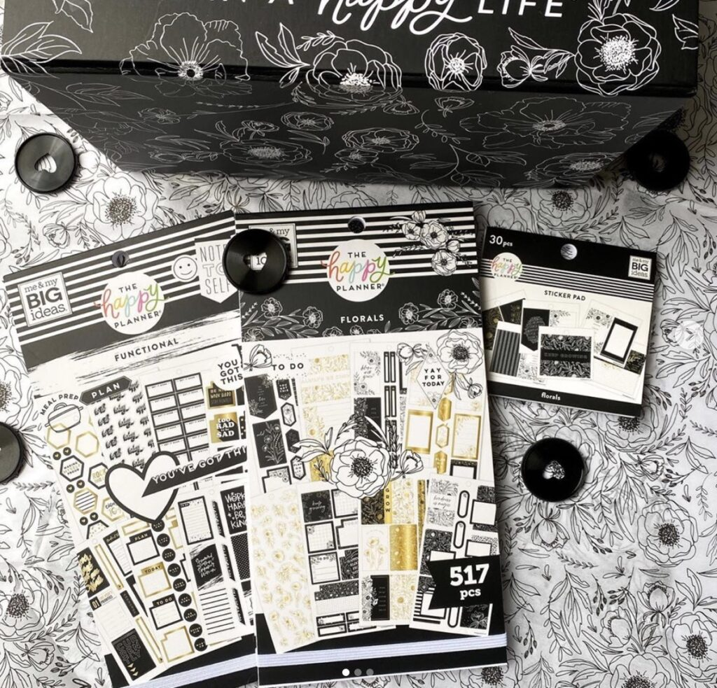 florals-functional-black-and-white-planner-ideas-sticker-happywithsab_