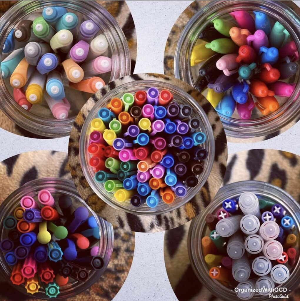 jars-of-markers-organized-with-ocd